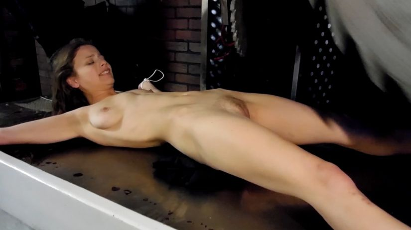 Anime tranny sucking own cock